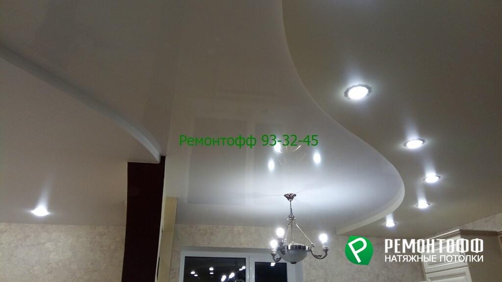 Двухуровневый натяжной потолок 14 м2