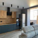 Натяжной потолок с дизайнерским освещением
