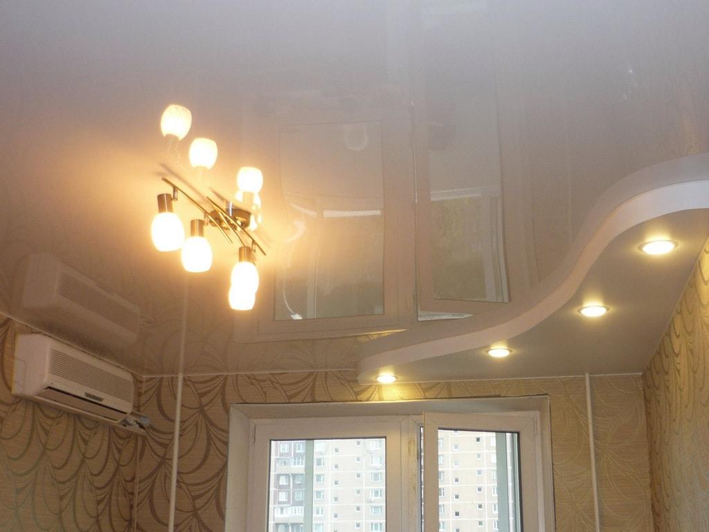 Белый глянцевый натяжной потолок от производителя Ремонтофф. Натяжные потолки в Ульяновске под ключ.