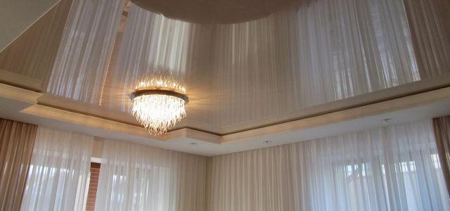 Натяжные потолки в гостиную фото, компания Ремонтофф. Натяжные потолки в Ульяновске под ключ.