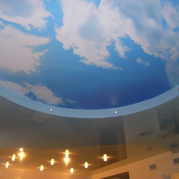 Натяжные потолки в гостиную фото фото, компания Ремонтофф. Натяжные потолки в Томске под ключ.