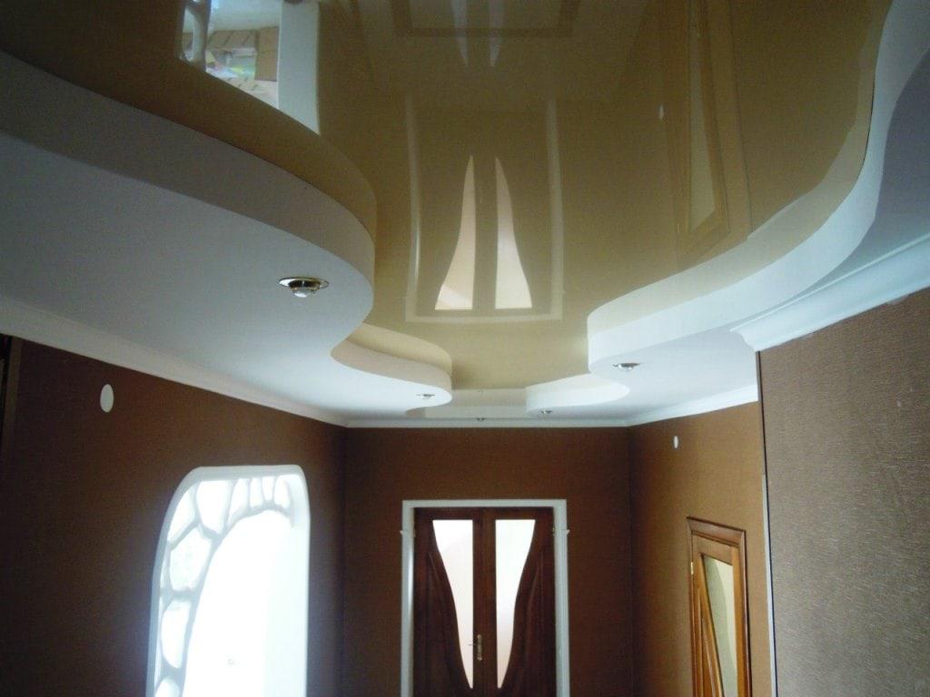 Натяжные потолки в коттедже фото, компания Ремонтофф. Натяжные потолки в Ульяновске под ключ.