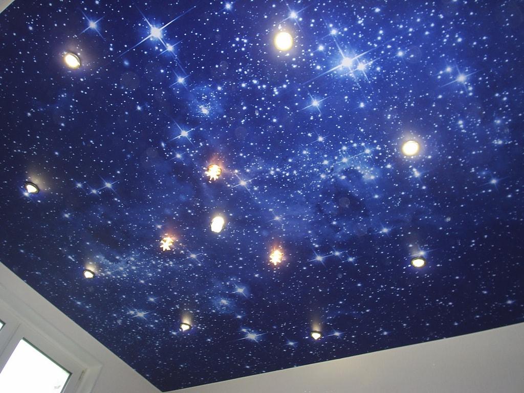 Потолок звездное небо от производителя Ремонтофф. Натяжные потолки в Ульяновске под ключ.