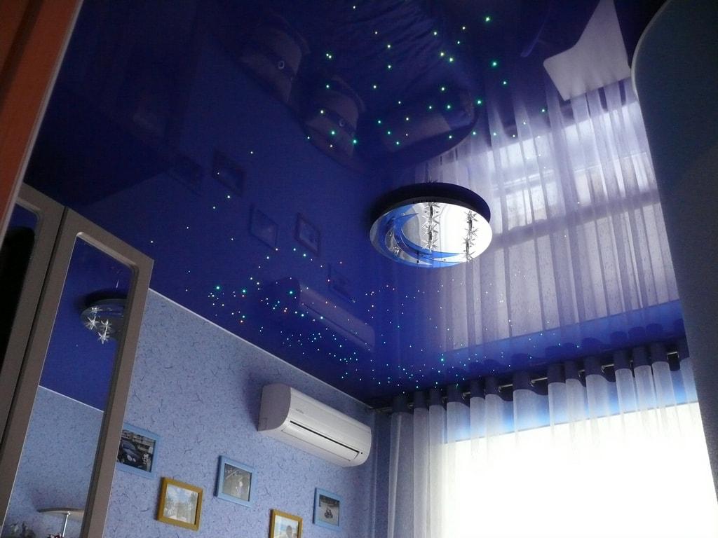 Звездный потолок фото от производителя Ремонтофф. Натяжные потолки в Ульяновске под ключ.